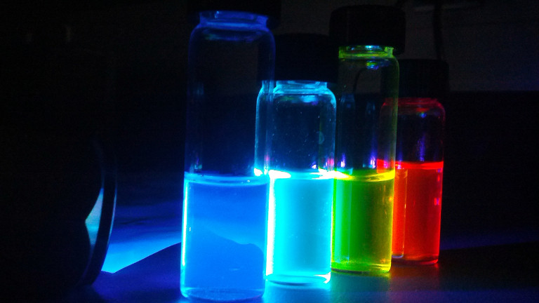 Fluorescent dyes and polymers